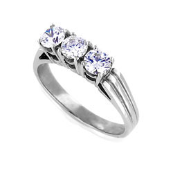 Stunning 3-stone Diamond 14k White Gold Ring
