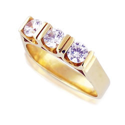 3-Stone Diamond Ring Stunning 14k Yellow Gold
